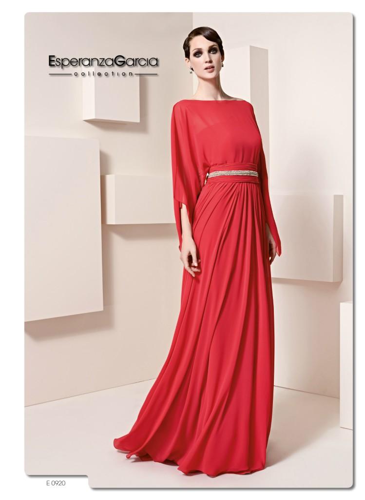 "3 looks invitadas ""total red"" | Blog HigarNovias"