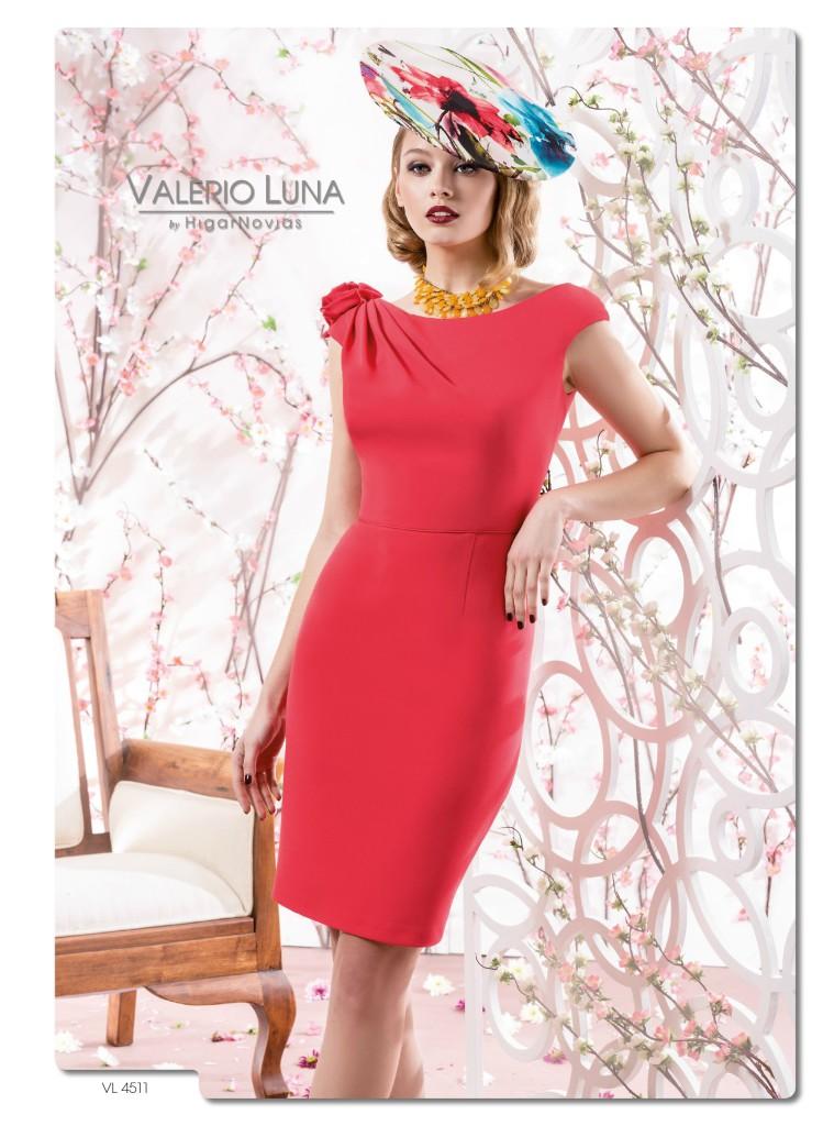 Complementos para un vestido de fiesta color coral