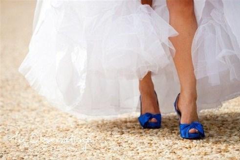 Vestidos de novia con zapatos de colores