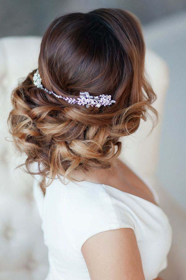 6 preciosos peinados para ir de boda blog higarnovias for Recogidos altos para novias