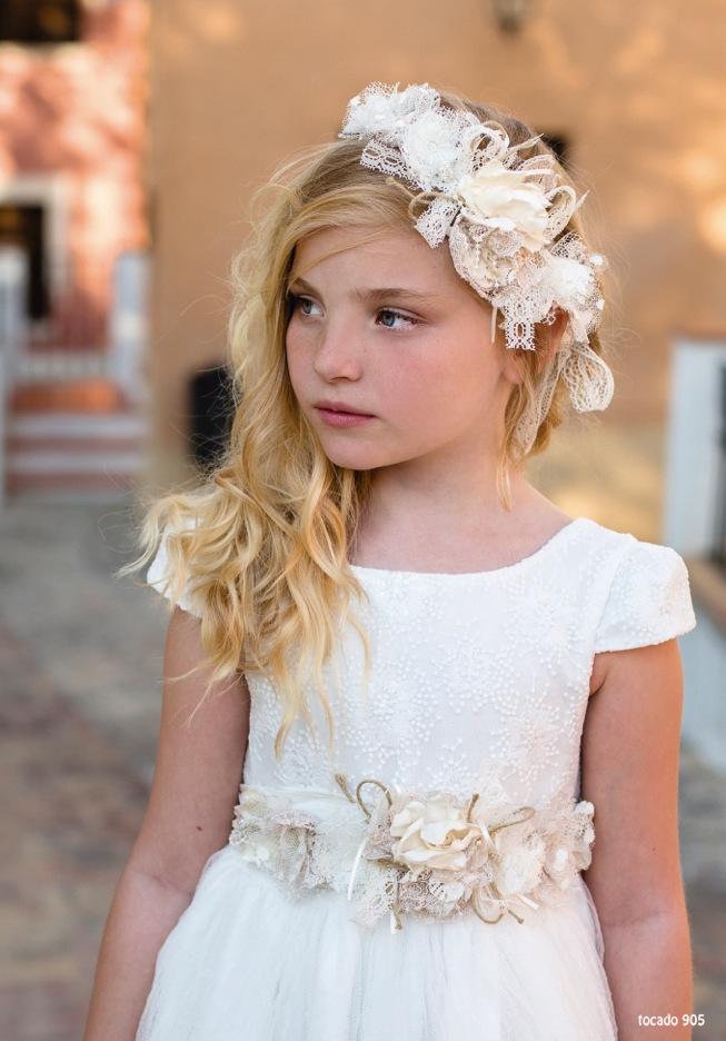 ba6a215ca7 Se acerca la época de comuniones y no queríamos dejar de mostraros la  variedad de trajes de comunión que tenemos tanto para niña como para niño.