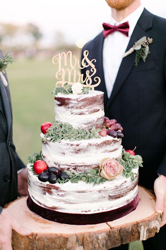 rustic cake con topper