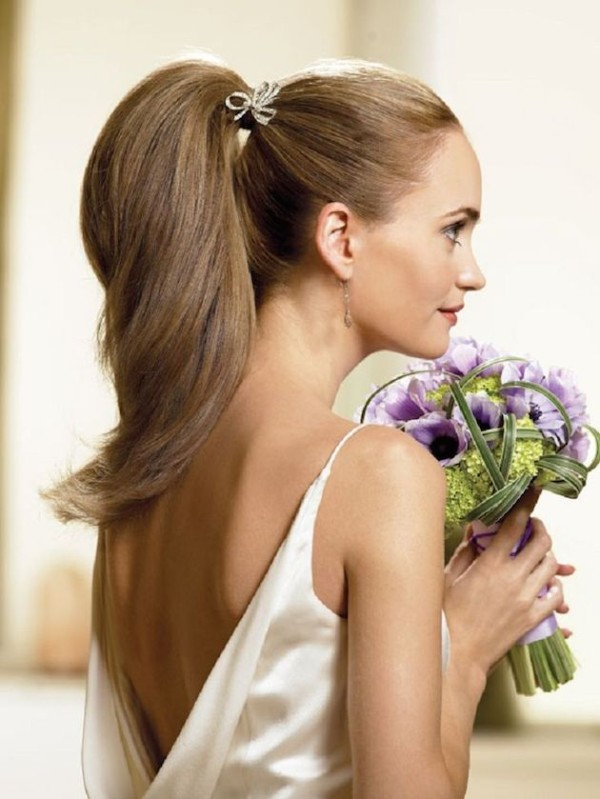 Hairstyles with pigtails to wear at a wedding | Blog HigarNovias